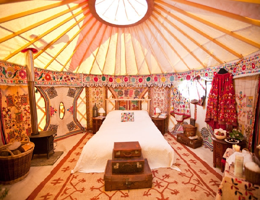 luxury_bedroom_yurt