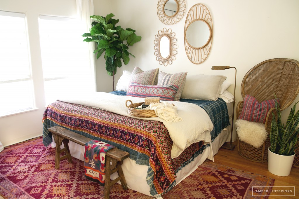 One room three ways with anthropologie amber interiors - Boho chic living room decorating ideas ...