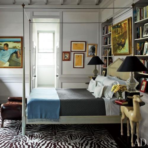 item6.rendition.slideshowVertical.peter-rogers-new-orleans-french-quarter-house-10-master-bedroom