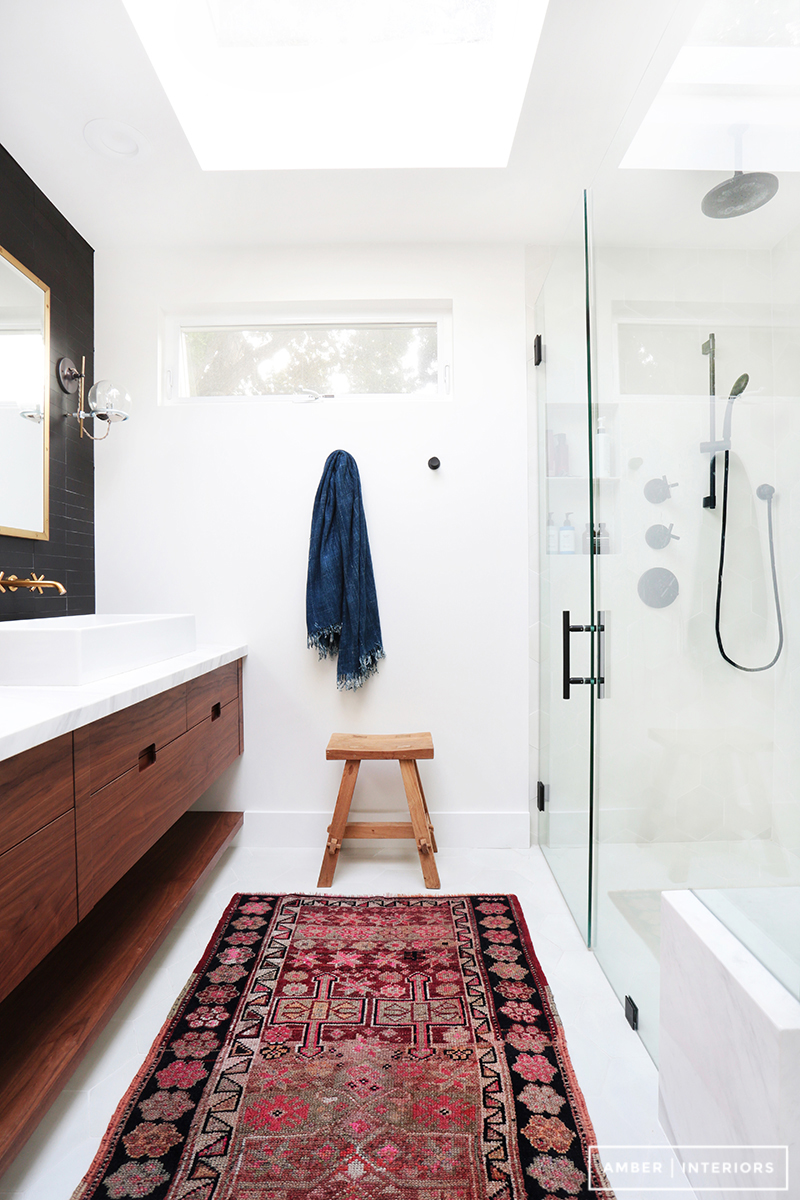 Before and after client freakin fabulous amber interiors for Petit salle de bain moderne