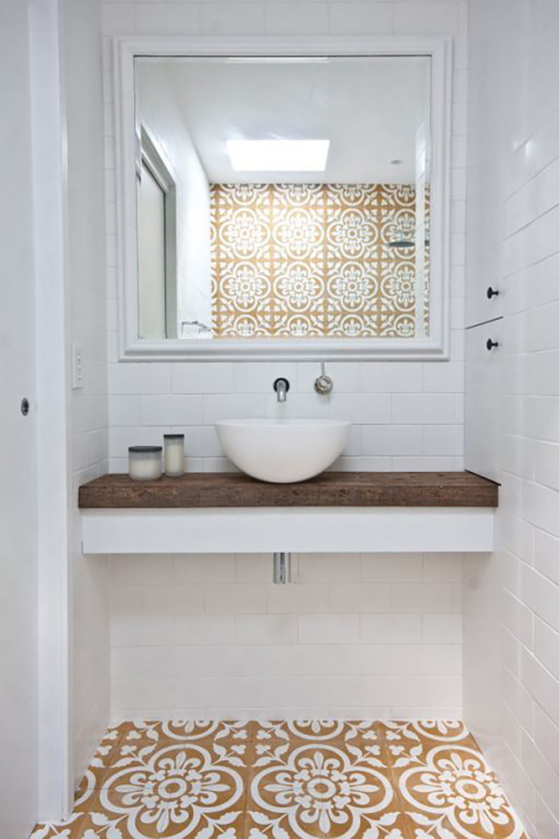 Small powder room ideas amber interiors - Azulejo para banos ...